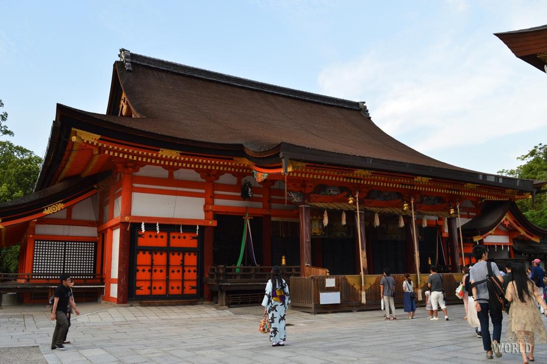 temple-yasaka