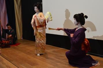 geisha-dancing-2
