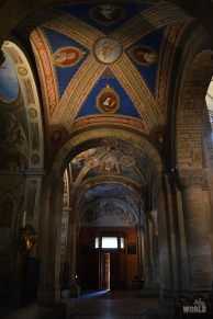 Pavia San Michele Interno