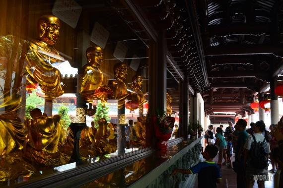 Nanputou Temple Buddha